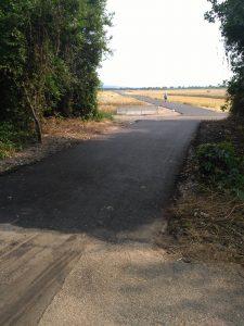 Bild: Zugang zum Fuß- und Radweg
